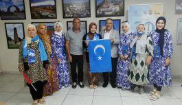 Kırım'da işgal Doğu Türkistan'da...