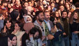 Gençler, Gençlik Konserine akın etti