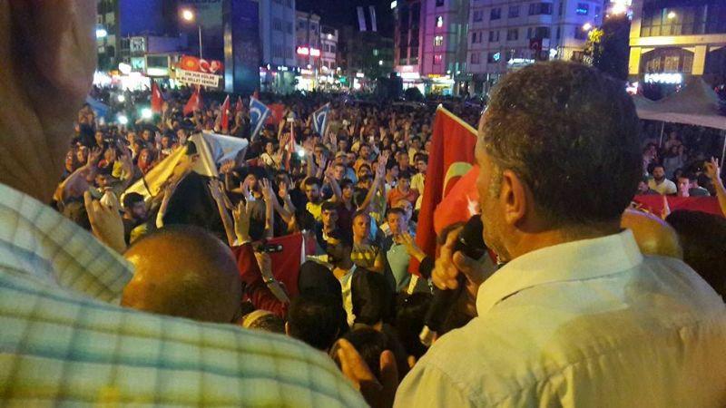 """Öztabak , ''Tüm Türkiye tek yürek olduk, 7'den 70'e meydanlardayız"""""""