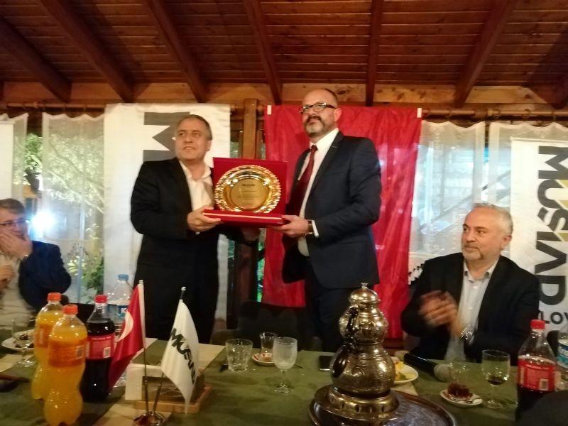 Türkü Dostları Korosundan Ertan'a davet