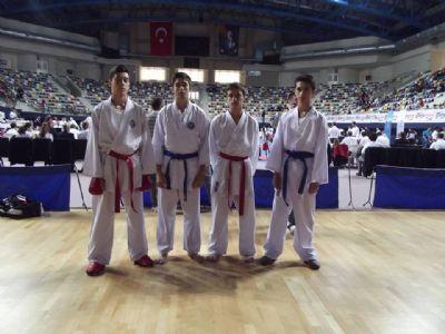 Karateciler Göz Doldurdu