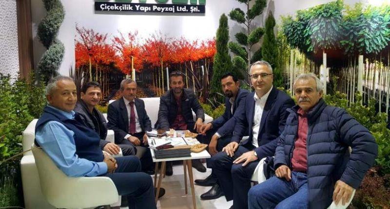 İl Tarım ve Orman Müdürü Suat Parıldar, 10. İstanbul Avrasya Süs Bitkileri ve Peyzaj Fuarı'na katıldı.
