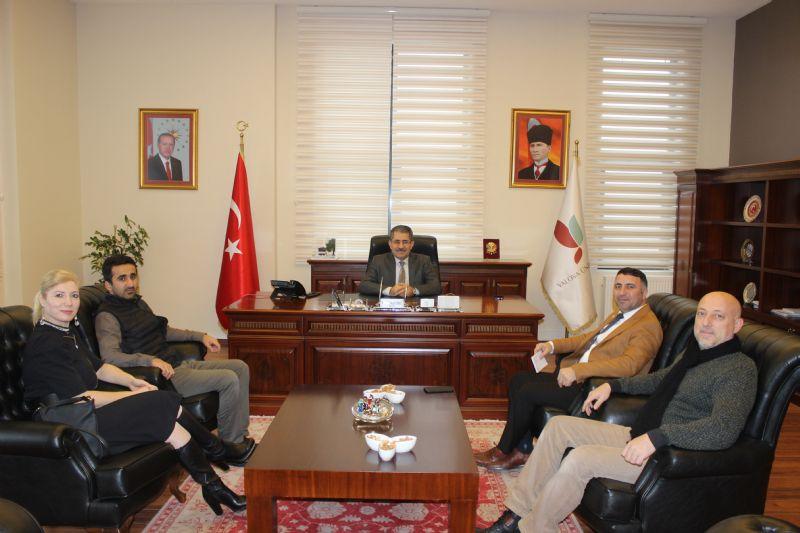 YGC Yönetimi, Rektör Cebeci'yi makamında ziyaret etti