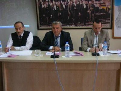 Çiftlikköy Belediye Meclisi, terk edildi