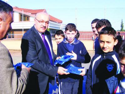 Ahmet Yurtman'dan başarılı öğrencilere ziyaret