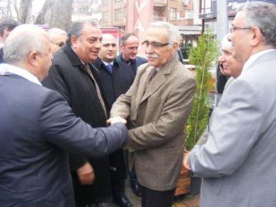 Türkeş, Yalova'da, açılımı anlattı