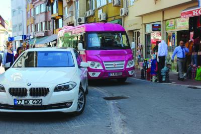 'Değişen minibüs güzergahından Huzur Sokağı esnafı, huzursuz'