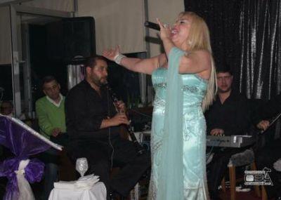 Karanfil Ev Şenliği Mine Koşan Konseriyle Start Alıyor