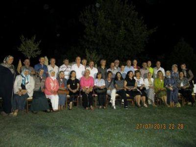Ertan'dan okul arkadaşlarına iftar