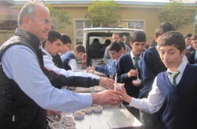 Yalova Teknik ve Endüstri Meslek Lisesi 1200 kişiye Aşure