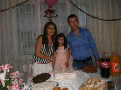 Almira Aydın, 3 yaşına bastı