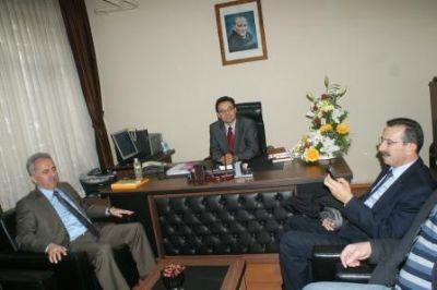AK Partiden yeni atanan müdüre ziyaret