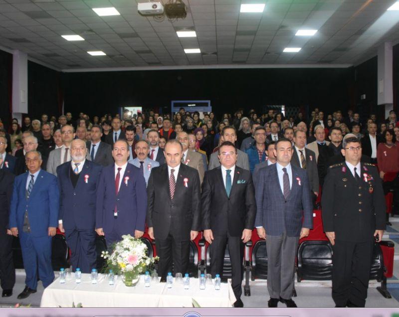 Yalova'da 24 Kasım Öğretmenler Günü kutlandı
