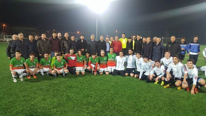 Yalova'nın ilk gece maçı oynandı,  açılış AK Parti'den