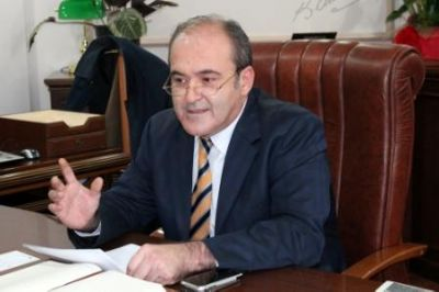 """DERVİŞİN FİKRİ NEYSE, ZİKRİ DE ODUR"""