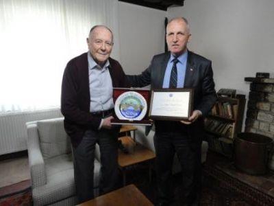 Ertan'dan Ahmet İsvan'a ziyaret