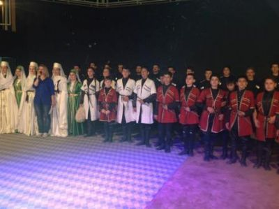 Çiftlikköy Kafkas Kültür Derneği'nden Anfi tiyatroda muhteşem gösteri