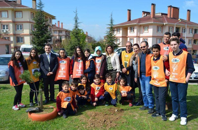 Hacı Ali Saruhan İlköğretim Okulu bahçesine fidan dikildi