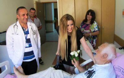 Seher Ahmetzade Çınarcık Devlet Hastanesini Ziyaret Etti