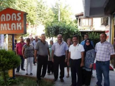 Çiftlikköy MHP'den esnafla bayramlaşma