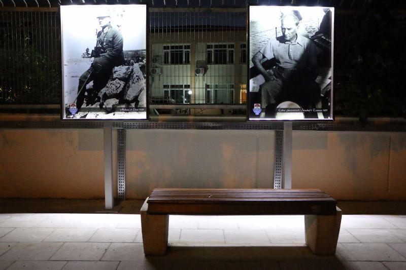 Atatürk'ün görselleri, Stadyum Caddesi'nde