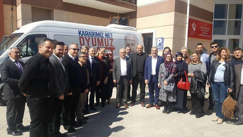 AK Parti'den huzurevine ziyaret