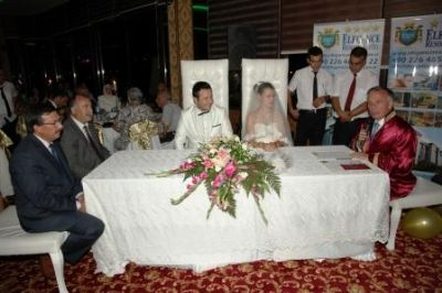 Damla & Ali Altınparmak çiftinin düğünü Elegance Resort Hotel'de gerçekleşti