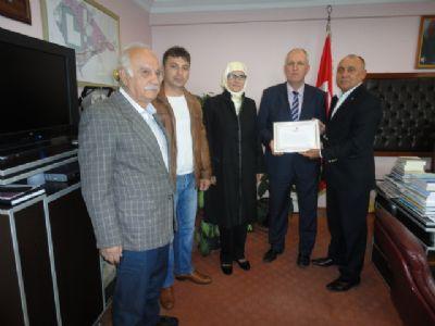 Çiftlikköy Kızılay Şubesinden Taşköprü Belediye Başkanına teşekkür belgesi