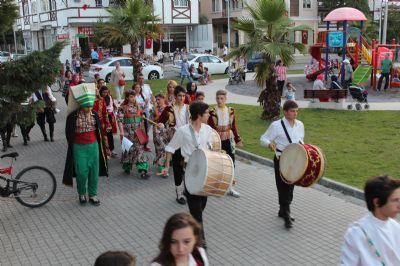 Yalova Belediyesi Ramazan Ayı Etkinliklerini Yöresel Kortejle Duyurdu