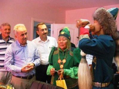 1. Dede Korkut Kültür şölenine yurt dışından gelen temsilcilerden Coşkun'a ve Pehlivan'a ziyaret