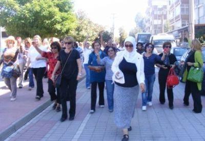 Türkiye'de bir ilk, Kadın muhtarlar Yalova'da gövde gösterisi yaptılar