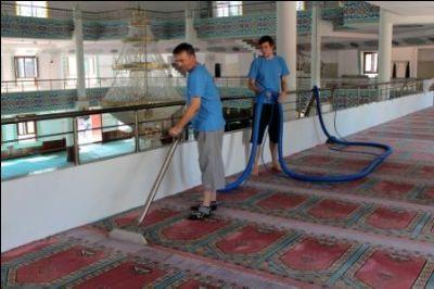 Ramazan Ayı Öncesi Camilerde Temizlik Çalışmaları Başladı