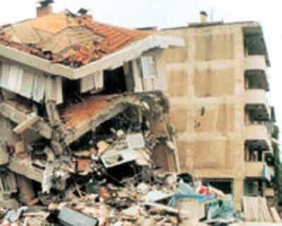 Yalova platformu,'Deprem değil, rant açgözlülüğü öldürür'