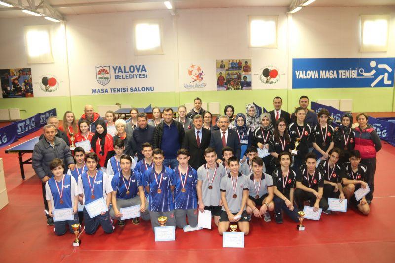 Bahçeşehir Anadolu Lisesi Şampiyon