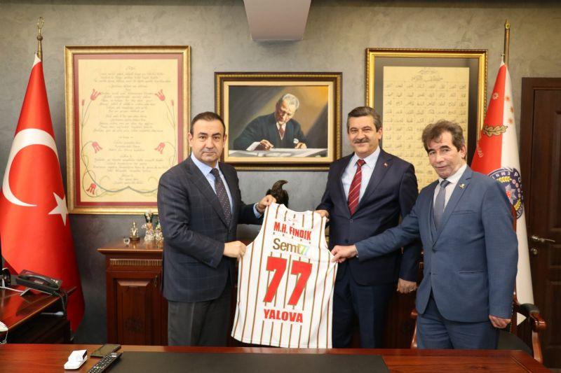 Yalova Belediyespor yeni yönetimden Vali ve Emniyet Müdürüne ziyaret
