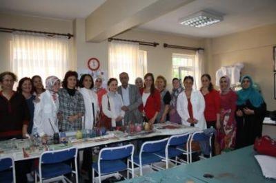 Ünlü Sanatçıdan Yalova'daki Ebru Çalışmalarına Ziyaret