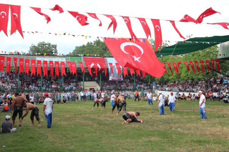 """110. tarihi Fevziye yağlı Güreşleri Başpehlivanı """" İsmail Balaban"""" oldu"""