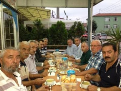 AK Parti, büyük bir aile olduğunu gösteriyor