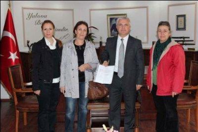 İmzalar Başkanvekili Ulutürk'e Teslim Edildi