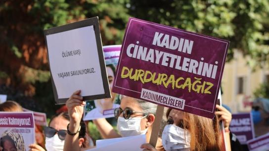 """Yalova Kadın Platformu, """"İstanbul Sözleşmesi vazgeçilmezimizdir"""""""